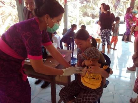 Imunisasi MR di Posyandu Bayad dan Bukit Pudeh