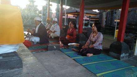 Agar Wabah Covid-19 Segera Berakhir, Desa Adat Tajun Gelar Doa Serentak