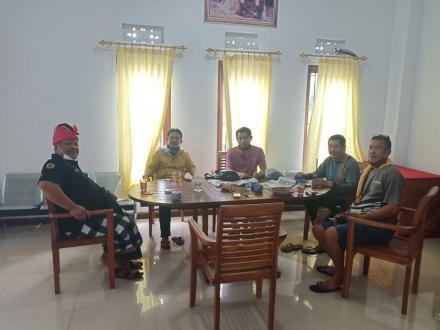 Ketut Susana Sumbang Logistik untuk Petugas Pos Jaga Covid-19
