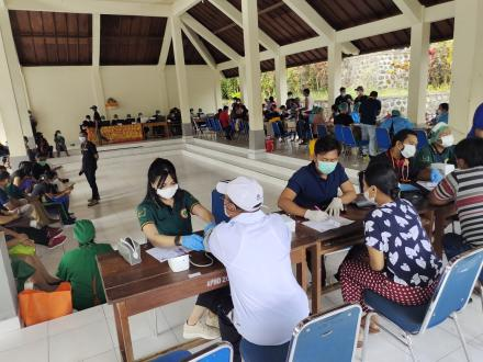 Target 1000 vaksin, 60% Masyarakat Desa Tajun Sudah Vaksinasi Covid-19